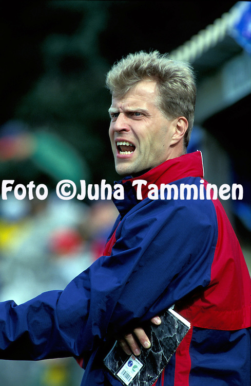 25.07.1998, Rauma, Finland.Valmentaja / coach Jari Europaeus - Atlantis FC.©Juha Tamminen
