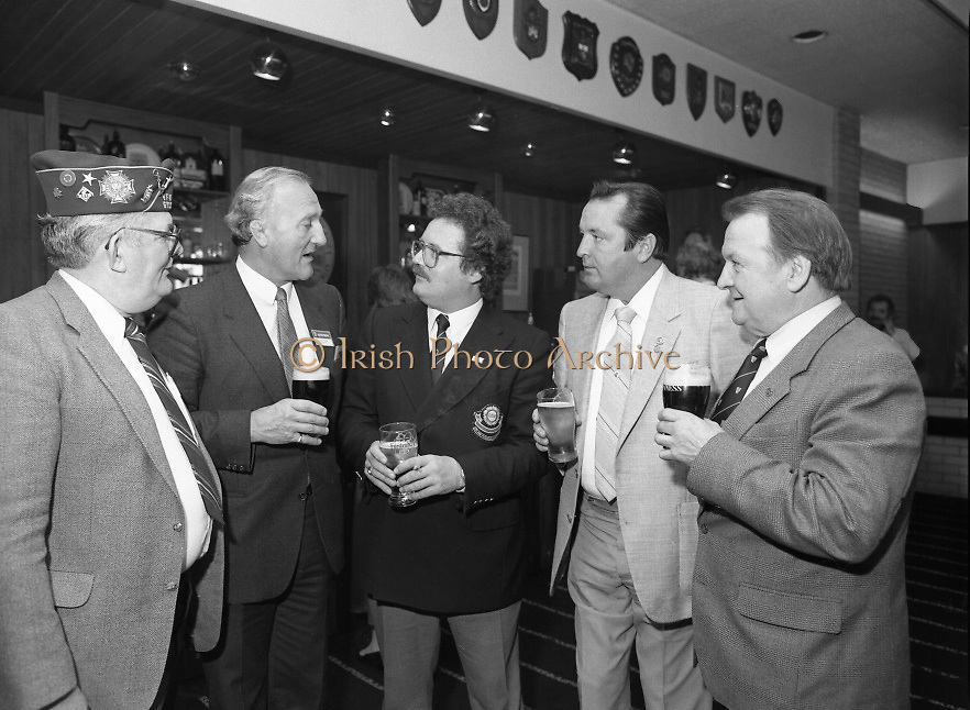 "Veterans Of Foreign Wars At Guinness..1986..28.05.1986.05.28.1986..28th May 1986..A group of ""Veterans of Foreign Wars"" from Revere,Massachesetts,USA,who are on an eight day visit to Ireland were entertained at a reception at the Guinness Brewery,St James's Gate,Dublin. The trip was organised by the Organisation of National .Ex-Servicemen and Women...Picture shows Mr Bob Kane,Ex-US Navy,Revere,Mass.,Mr Paddy Kenna,Director,Guinness Ireland,Mr Pat Long,O.N.E,Mr George Magrath,EX-US Airforce,Revere,Mass.,and Mr Bill Kelly,Park Royal,London,enjoy a drink at the reception."