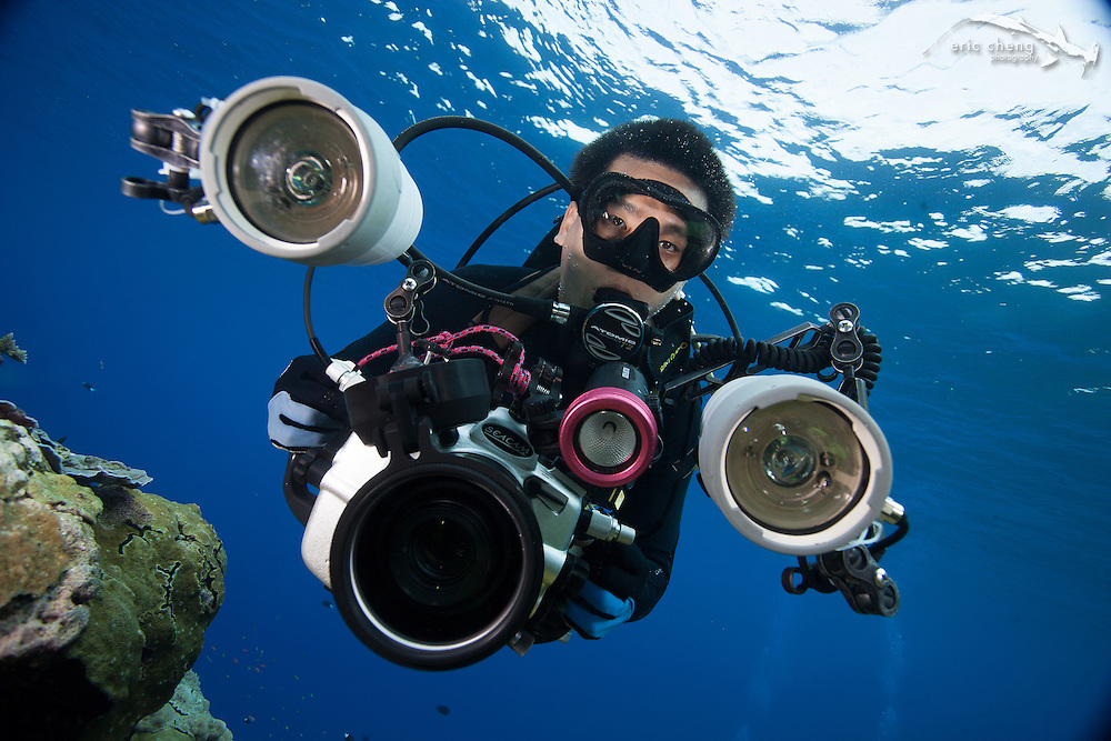 Eric Cheng with Seacam-housed Canon SLR