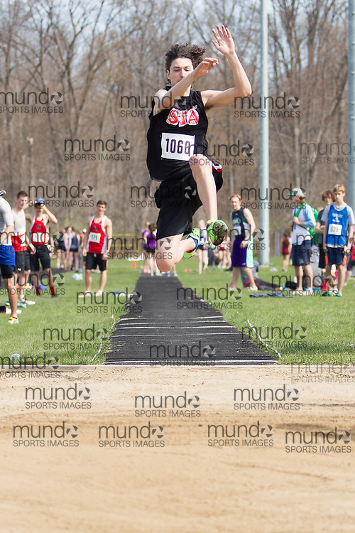St.Thomas, Ontario --- 20150502 --- competes in the  at the 2015 Kettle Creek Invitational Track and Field meet in St. Thomas, Ontario, May 2, 2015.<br /> JULIE ROBINS/ Mundo Sport Images