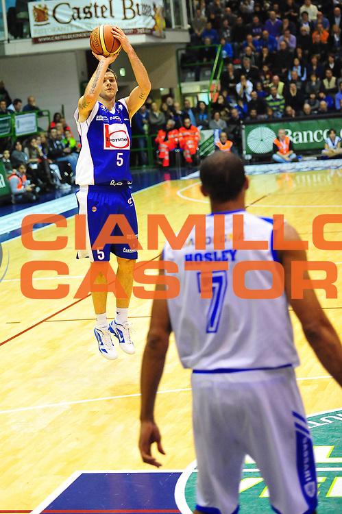 DESCRIZIONE : SASSARI LEGA A 2011-12 DINAMO SASSARI - BENNET CANTU'<br /> GIOCATORE : VLADIMIR MICOV<br /> SQUADRA : DINAMO SASSARI - BENNET CANTU'<br /> EVENTO : CAMPIONATO LEGA A 2011-2012 <br /> GARA :  DINAMO SASSARI - BENNET CANTU'<br /> DATA : 28/01/2012<br /> CATEGORIA : TIRO<br /> SPORT : Pallacanestro <br /> AUTORE : Agenzia Ciamillo-Castoria/M.Turrini<br /> Galleria : Lega Basket A 2011-2012  <br /> Fotonotizia : SASSARI LEGA A 2011-12  DINAMO SASSARI - BENNET CANTU'<br /> Predefinita :