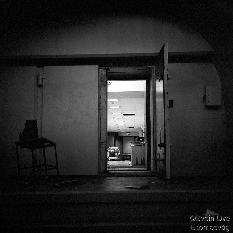 Bak døra i Korsatunnelen.<br /> Foto: Svein Ove Ekornesvåg