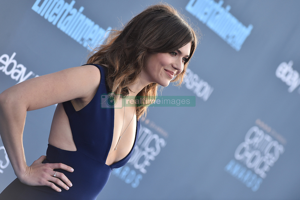 Mandy Moore attends the 22nd Annual Critics' Choice Awards at Barker Hangar on December 11, 2016 in Santa Monica, Los Angeles, CA, USA. Photo By Lionel Hahn/ABACAPRESS.COM
