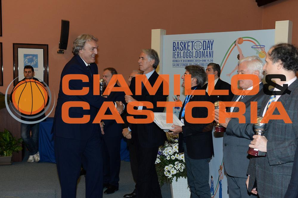 DESCRIZIONE : Roma Basket Day Hall of Fame 2013<br /> GIOCATORE : Dino Meneghin Giovanni Malago'<br /> SQUADRA : FIP Federazione Italiana Pallacanestro <br /> EVENTO : Basket Day Hall of Fame 2013<br /> GARA : Roma Basket Day Hall of Fame 2013<br /> DATA : 09/12/2013<br /> CATEGORIA : Premiazione<br /> SPORT : Pallacanestro <br /> AUTORE : Agenzia Ciamillo-Castoria/GiulioCiamillo