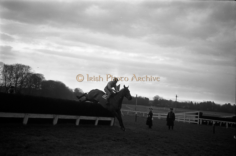 16/01/1963<br /> 01/16/1963<br /> 16 January 1963<br /> Leopardstown Races at Leopardstown Race track, Dublin.
