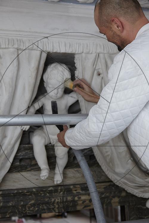 restaurering af audiensgang på Frederiksborg Slot , Slots- og Kulturstyrelsen, stukatører i arbejde