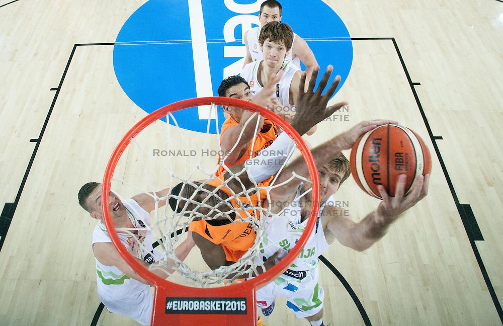 08-09-2015 CRO: FIBA Europe Eurobasket 2015 Slovenie - Nederland, Zagreb<br /> De Nederlandse basketballers hebben de kans om doorgang naar de knockoutfase op het EK basketbal te bereiken laten liggen. In een spannende wedstrijd werd nipt verloren van Slovenië: 81-74 / Zoran Dragic of Slovenia. Photo by Vid Ponikvar / RHF