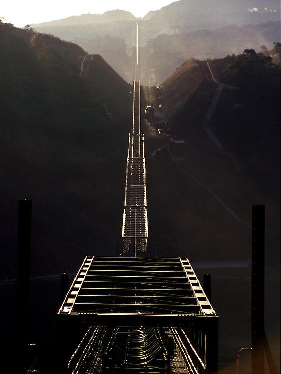 Nova Lima_MG, Brasil...Esteira na mineracao em Nova Lima...The mining equipament in Nova Lima...Foto: MARCUS DESIMONI / NITRO