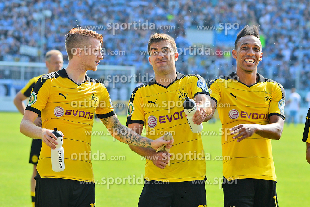 09.08.2015, Stadion an der Gellertstra&szlig;e, Chemnitz, GER, DFB Pokal, Chemnitzer FC vs Borussia Dortmund, im Bild Marco Reus (Borussia Dortmund) li, Sokratis (Borussia Dortmund) Mitte und Pierre-Emerick Aubameyang (Borussia Dortmund) re. // during German DFB Pokal first round match between Chemnitzer FC and Borussia Dortmund at the Stadion an der Gellertstra&szlig;e in Chemnitz, Germany on 2015/08/09. EXPA Pictures &copy; 2015, PhotoCredit: EXPA/ Eibner-Pressefoto/ Harzer<br /> <br /> *****ATTENTION - OUT of GER*****
