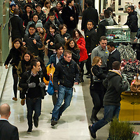 London December 26 The very first bargain hunter run through the doors at Selfridges on Oxford Street . More than 50,000 people will pass through the doors at Selfridges and the store expect to take in excess of £1M per hour at peak time on the first day of this year Sales...***Agreed Fee's Apply To All Image Use***.Marco Secchi /Xianpix. tel +44 (0) 771 7298571. e-mail ms@msecchi.com .www.marcosecchi.com