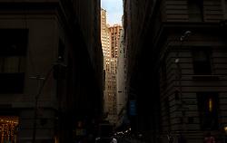 THEMENBILD - New York City ist mit mehr als 5000 Gebaeuden mit mehr als zwoelf Etagen eine Stadt der Hochhaeuser und Wolkenkratzer, im Bild Hochhaeuser in Manhattan, Aufgenommen am 09. August 2016 // New York City is with over 5000 buildings with more than 12 floors a city of skyscrapers. This picture shows skyscrapers in Manhattan, New York City, United States on 2016/08/09. EXPA Pictures © 2016, PhotoCredit: EXPA/ Sebastian Pucher
