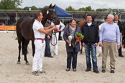 77 - Duzella<br /> KWPN Paardendagen 2011 - Ermelo 2011<br /> © Dirk Caremans