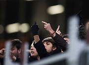 MILANO, ITALIEN - 2017-11-13: Italienska fans visar fingret mot de svenska spelarna efter FIFA 2018 World Cup Qualifier Play-Off matchen mellan Italen och Sverige p&aring; San Siro Stadium den 13 November, 2017 i Milano, Italien. <br /> Foto: Nils Petter Nilsson/Ombrello<br /> ***BETALBILD***