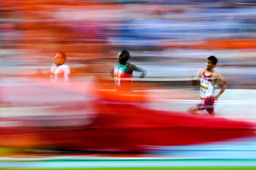 Atletas en la final de los 800 metros masculinos  durante el quinto día de los 14º IAAF Mundiales Junior de Atletismo en el Estadio Olímpico Lluis Companys de Barcelona, España el 14 de Julio del 2012.