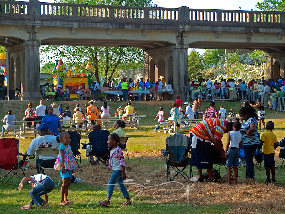 People gather along the Riverwalk for the mayor's annual picnic in Columbus, Miss. April 17, 2010.  (Photo by Carmen K. Sisson/Cloudybright)