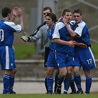 St Johnstone v Arbroath.. 08.03.03<br />Grant Murray is congratulated at thre end of the game by Ross Forsyth<br /><br />Pic by Graeme Hart<br />Copyright Perthshire Picture Agency<br />Tel: 01738 623350 / 07990 594431
