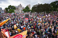 2015-06-20 Tens of thousands march in London against austerity