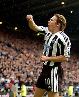 Photo. Jed Wee.Digitalsport<br /> Newcastle United v Everton, FA Barclaycard Premiership, St James' Park, Newcastle. 03/04/2004.<br /> Newcastle's Craig Bellamy celebrates his opening goal.