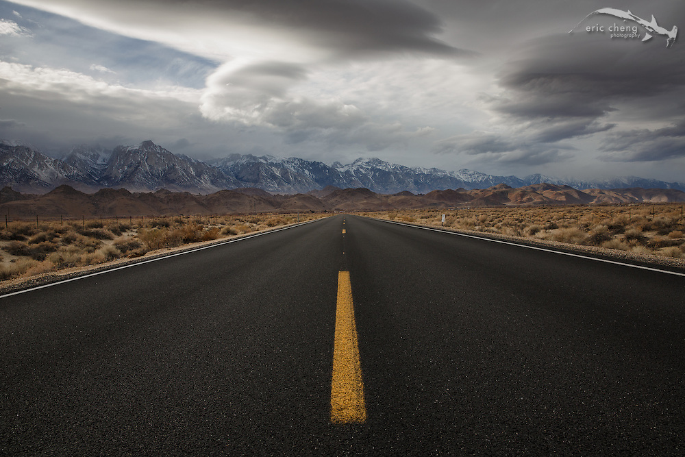 Road to Lone Pine, California, with view of the Sierra Nevada