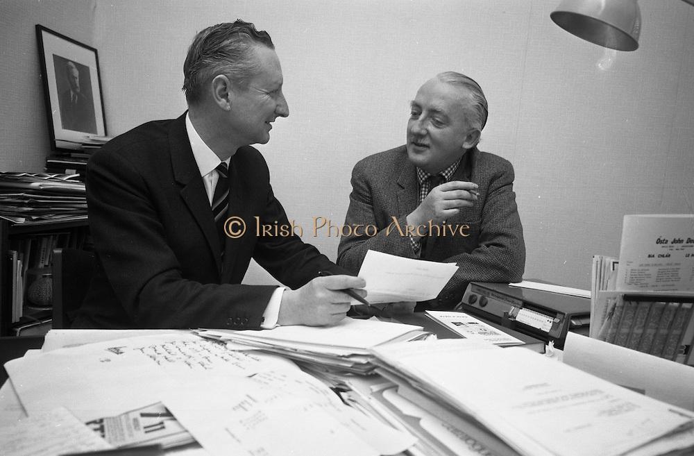Riobard Mac Góráin of Gael Linn and Seán Ó Riada planning a Peadar Ó Doirnín Commemoration Concert at the Gaiety Theatre..24.03.1969