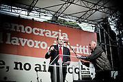 ROMA. IL LEADER DELL'OPPOSIZIONE PIERLUIGI BERSANI DURANTE IL SUO DISCORSO ALLA PIAZZA IN OCCASIONE DELLA MANIFESTAZIONE CONTRO IL DECRETO SALVA LISTE DEL GOVERNO BERLUSCONI PER LE ELEZIONI REGIONALI 2010