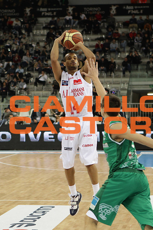 DESCRIZIONE : Torino Coppa Italia Final Eight 2011 Quarti di Finale Armani Jeans Milano Air Avellino<br /> GIOCATORE : Lynn Greer<br /> SQUADRA : Air Avellino<br /> EVENTO : Agos Ducato Basket Coppa Italia Final Eight 2011<br /> GARA : Armani Jeans Milano Air Avellino <br /> DATA : 11/02/2011<br /> CATEGORIA : tiro<br /> SPORT : Pallacanestro<br /> AUTORE : Agenzia Ciamillo-Castoria/C.De Massis<br /> Galleria : Final Eight Coppa Italia 2011<br /> Fotonotizia : Torino Coppa Italia Final Eight 2011 Quarti di Finale Armani Jeans Milano Air Avellino<br /> Predefinita :