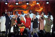 New York City Mayor Bill de Blasio, Alec Baldwin and his daughter Carmen, Kate McKinnon, Hoda Kotb, Matt Lauer, Savannah Guthrie and Al Roker, left to right, light the 2016 Rockefeller Center Christmas Tree, Wednesday, Nov. 30, 2016, in New York. (Photo by Diane Bondareff/Invision for Tishman Speyer/AP Images)