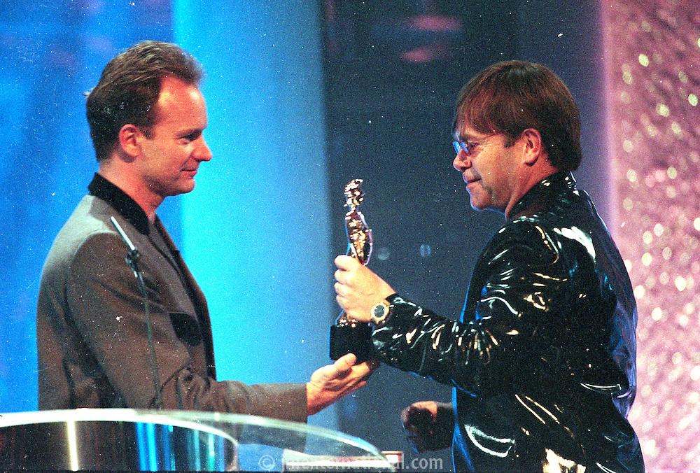 The BRIT Awards 1995 at Alexandra Palace, London..Monday, Feb.20, 1995 (Photo John Marshall JME)
