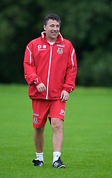 CARDIFF, WALES - Friday, September 5, 2008: Wales' assistant coach Dean Saunders during training at Vale of Glamorgan Hotel ahead of the second 2010 FIFA World Cup South Africa Qualifying Group 4 match against Russia. (Photo by David Rawcliffe/Propaganda)