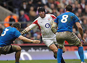 Twickenham, GREAT BRITAIN, Phil VICKERY, hands off Matyin BASTROGIOVANNI, as he cuts insde to go through the gap, right Sergio PARISSE, during the  England vs Italy, Six Nations Rugby match,  played at the  RFU Twickenham Stadium on Sat 10.02.2007  [Photo, Peter Spurrier/Intersport-images].....