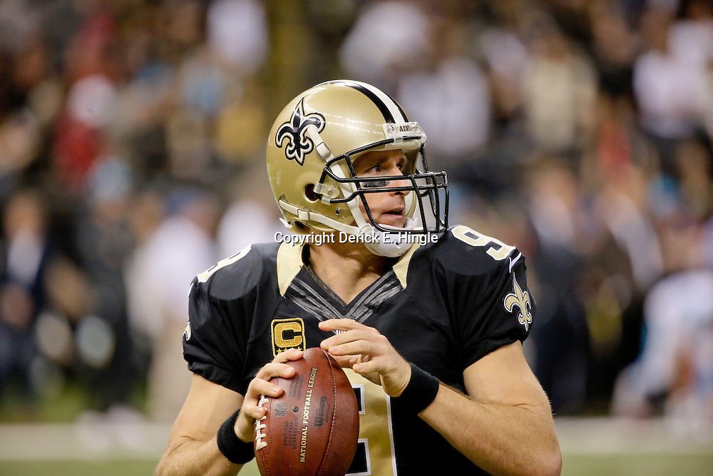 Dec 6, 2015; New Orleans, LA, USA; New Orleans Saints quarterback Drew Brees (9) during the first half of a game against the Carolina Panthers at Mercedes-Benz Superdome. Mandatory Credit: Derick E. Hingle-USA TODAY Sports