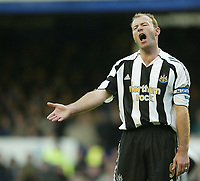 Photo: Aidan Ellis.<br /> Everton v Newcastle. The Barclays Premiership.<br /> 27/11/2005.<br /> Newcastle's Alan Shearer moans to team mates as his side lose