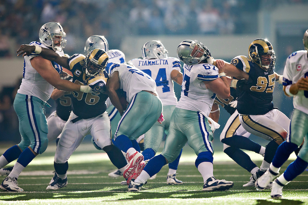ARLINGTON, TX - OCTOBER 23:   DeMarco Murray #29 of the Dallas Cowboys runs up the middle of the line against the St. Louis Rams at the Cowboy Stadium on October 23, 2011 in Arlington, Texas.  The Cowboys defeated the Rams 34 to 7.  (Photo by Wesley Hitt/Getty Images) *** Local Caption *** DeMarco Murray
