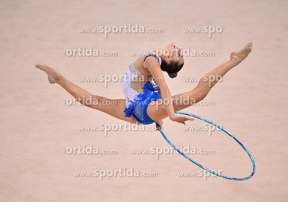 08.09.2015, Porsche Arena, Stuttgart, GER, Gymnastik WM, im Bild Melitina Staniouta (BLR) Reifen // during the World Rhythmic Gymnastics Championships at the Porsche Arena in Stuttgart, Germany on 2015/09/08. EXPA Pictures &copy; 2015, PhotoCredit: EXPA/ Eibner-Pressefoto/ Weber<br /> <br /> *****ATTENTION - OUT of GER*****