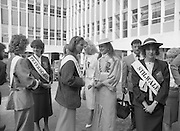 Roses of Tralee at Guinness Brewery..1986.20.08.1986..08.20.1986..20th August 1986..As part of the 50th running of the Rose Of Tralee Festival the thirty Rose contestants were invited to The Guinness Brewery,St James's Gate,Dublin. At the reception in their honour, Mr Pat Healy,Sales Director,Guinness Group Sales,welcomed the roses at the Guinness Reception Centre..Extra: Ms Noreen Cassidy,representing Leeds,went on to win the title of 'Rose Of Tralee'...Photo of 'Roses' from near and far getting to know each other at the Guinness Reception organised on their behalf.