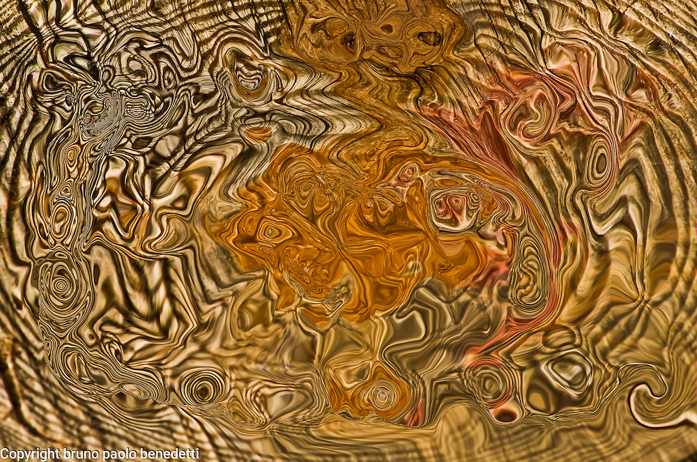 Dizzines: abstract visual representation, broken lines and fluid shapes in brown color with shades