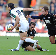 2005/06 Powergen Cup, Saracens vs London Irish, Exiles Riki Flutey looks for support as Thomas Castaignede [low] and Kyran Bracken tackle Vicarage Road, Watford, ENGLAND, 07.10.2005   © Peter Spurrier/Intersport Images - email images@intersport-images..