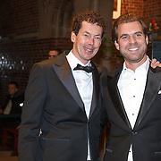 NLD/Amsterdam/20160210 - gasten arriveren bij Correspondents' Dinner 2016, Dominique Weesie en Rutger Castricum