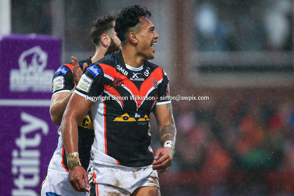 Picture by Alex Whitehead/SWpix.com - 07/02/2016 - Rugby League - First Utility Super League - Hull KR v Castleford Tigers - KC Lightstream Stadium, Hull, England - Castleford's Denny Solomona (R) celebrates his try with Luke Gale (L).