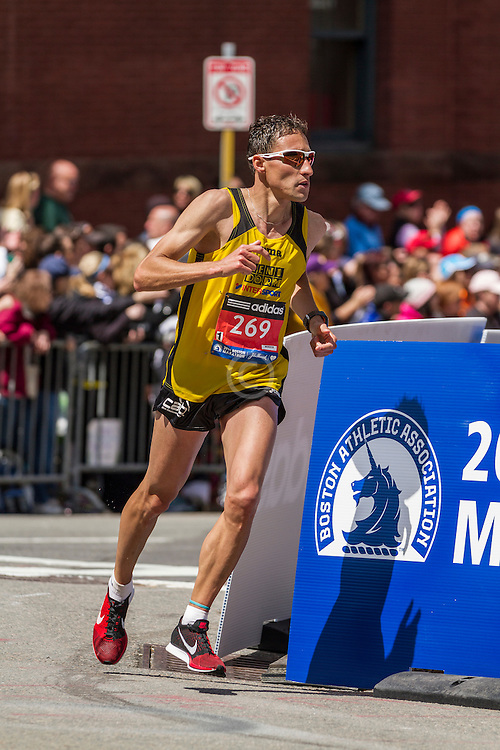 2014 Boston Marathon: turn onto Boylston Street with quarter mile to go, Juan Antonio Fernandez Canto, ESP