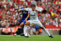 Photo: Richard Lane/Richard Lane Photography. SV Hamburg v Real Madrid. Emirates Cup. 02/08/2008. Real's Gabriel Heinze is challenged by Hamburg's David Jarolim.