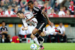 26.07.2011, Allianz Arena, Muenchen, GER, Audi Cup 2011,  FC Bayern vs AC Milan, im Bild  Mark van Bommel (Milan #4) im Kampf mit Luiz Gustavo (Bayern #30) // during the Audi Cup 2011,  FC Bayern vs AC Milan , on 2011/07/26, Allianz Arena, Munich, Germany, EXPA Pictures © 2011, PhotoCredit: EXPA/ nph/  Straubmeier       ****** out of GER / CRO  / BEL ******