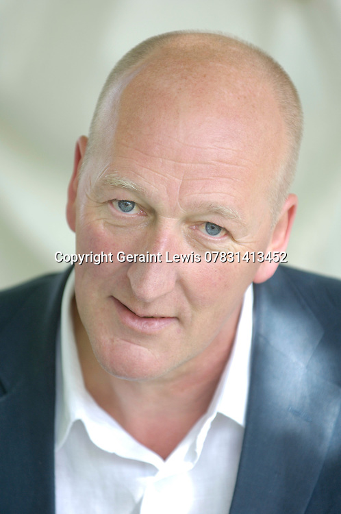 Peter Guttridge,crime writer.CREDIT Geraint Lewis