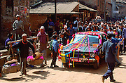 Wedding car moving through the streets of Kathmandu, Nepal RESERVED USE - NOT FOR DOWNLOAD -  FOR USE CONTACT TIM GRAHAM