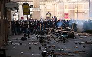 Roma 14 Dicembre 2010.<br /> Manifestazione contro il Governo Berlusconi. I manifestanti fronteggiano la polizia alla fine di via del Corso.<br /> Rome December 14, 2010.<br /> Demonstration against the Berlusconi government. Protesters attack police.