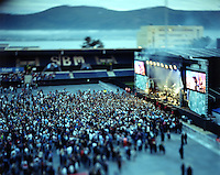 Jugendfest 2012.<br /> Bilder fra Jugendfest 2012 i &Aring;lesund fotografert med storformatskamera og Kodak Portra 4x5&quot; film. Her er det Kaizers Orchestra som st&aring;r p&aring; scenen.<br /> Foto: Svein Ove Ekornesv&aring;g