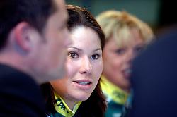 08-03-2006 WIELRENNEN: TEAMPRESENTATIE AA CYCLINGTEAM: ALPHEN AAN DE RIJN<br /> Suzanne de Goede<br /> Copyrights: WWW.FOTOHOOGENDOORN.NL