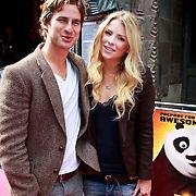 NLD/Amsterdam/20110611 - Premiere Kung Fu Panda 2, Jennifer Ewbank met partner Robin