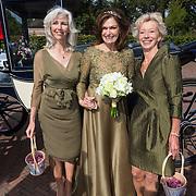 NLD/Blaricum/20130917 - Huwelijk Liz Snoyink en Nicolaas, Liz en bruidsmeisjes
