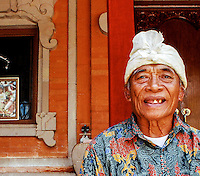 Ketut Liyer, traditional medicine man.<br />